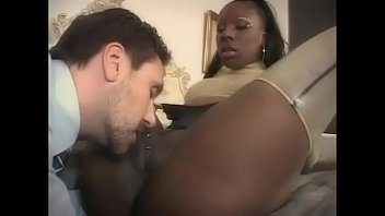 Ebony clit porn