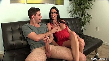 Hot Brunette Milf Hanjob