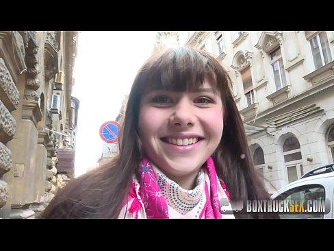 Luna Rivals XXX casting in public - XNXX.COM
