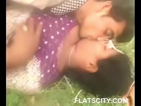 Desi Lovers outdoor, free sex video