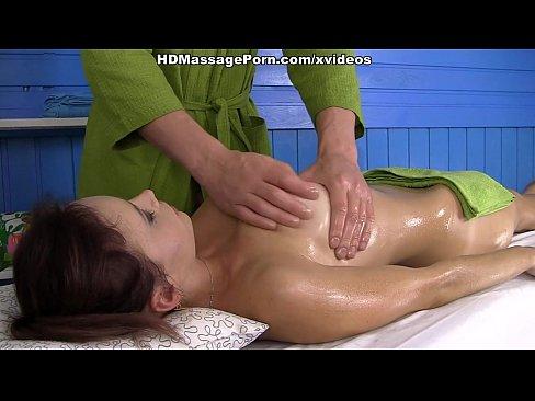 Muy privado de masaje en caliente, Olivia escena 1