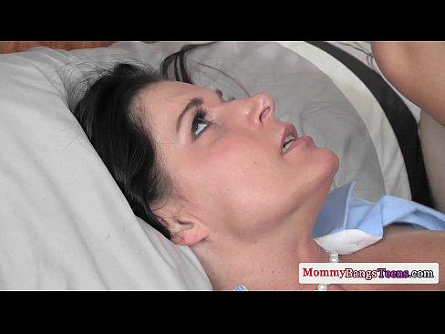 Üvey anne erotik video izle  Porno izle Sikiş izle