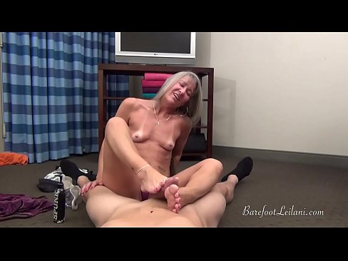 Milf Leilani POV Foot Job