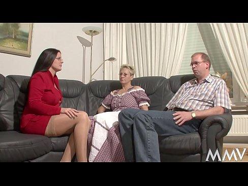 Threesome leis an Nanny, a ardaionn mar Martin Stengel