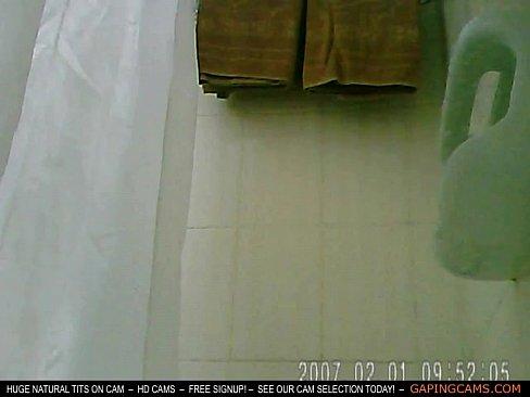 hidden-camera-shower-big-boobs