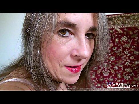 Alte verfuhrerische Reife Dame aus den usa, alleine zu spielen