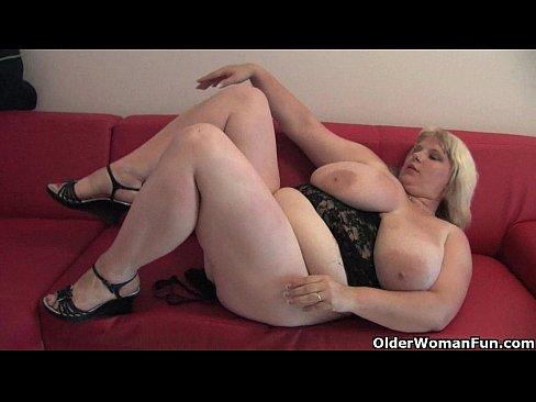 He fucks her mature pussy
