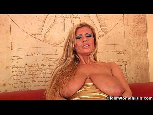 Samantha fake nude image