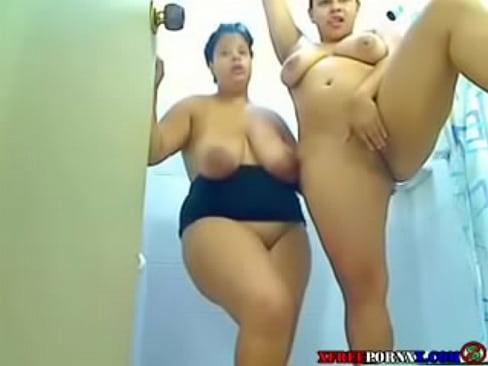 lesbianas en la ducha porno latinos