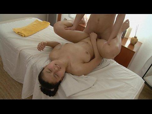 Massagist Masturbandose Cliente!