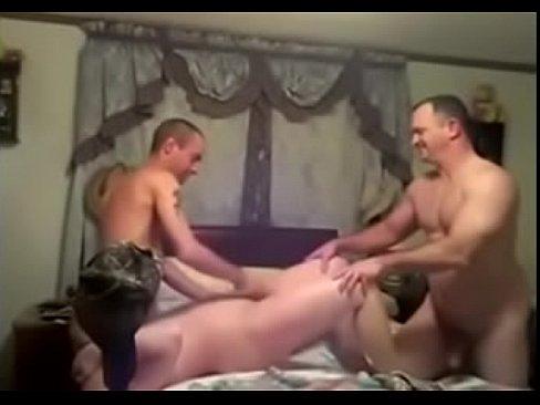 Milf sucks comharsan coileach agus a fuck a cuckold
