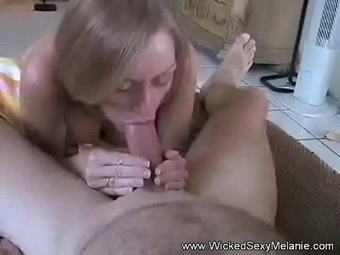 INES: Amateur bbw melanie loves her cum