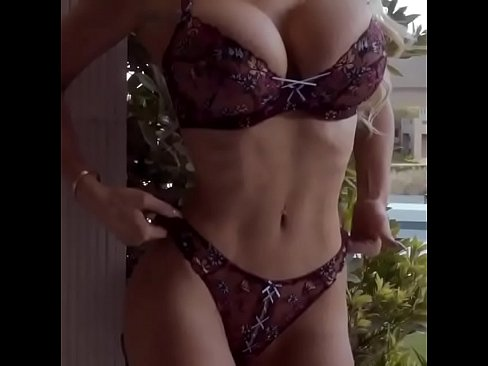 Voluptuous thick tits and ass ts raw