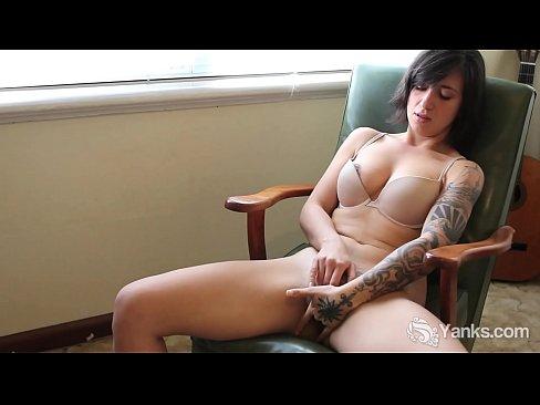 Liandra Dahl Videos