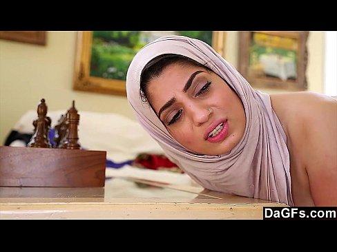 Dagfs - Araibis Chick Nadia Ali Cach Coileach Ban