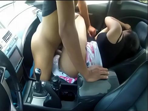 Fucking gf in car