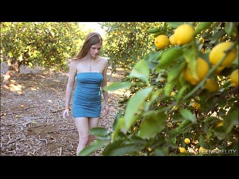 Teen Titty Bainne Dea-Lube Le Haghaidh Coileach