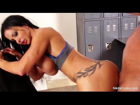 Nikita ducha sexoy tomadura de pelo