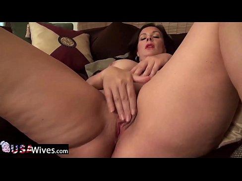 usawives-horny-chubby-grandma-toy-masturbation-sex-free-mature-photos