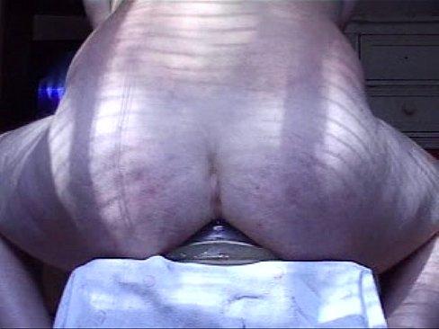 Butt plug destroys ass men