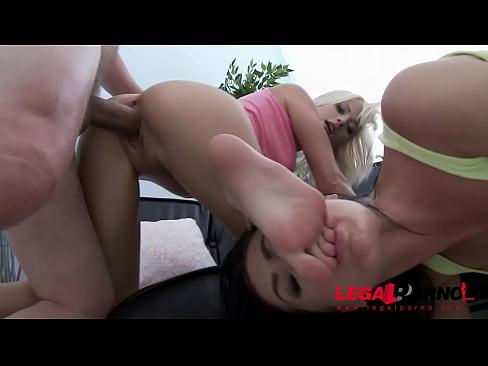Laima & Ria Sunn in 3on2 mini orgia con DAP & feticismo del piede SZ1448