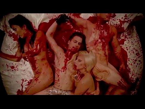 Lady Gaga & Matt Bommer Sangre Orgia De American Horror Story Hotel
