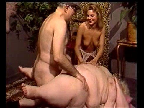 Naked daughter sucks on dad