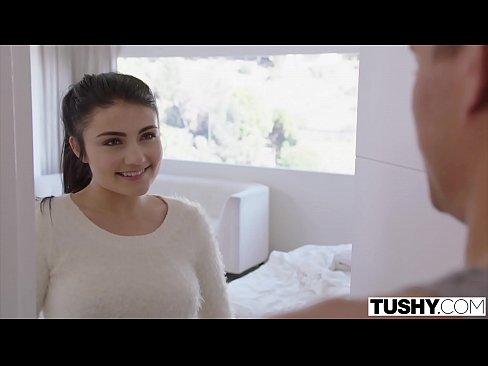 TUSHY Dana Teen Craves A Cara ar Coileach BF