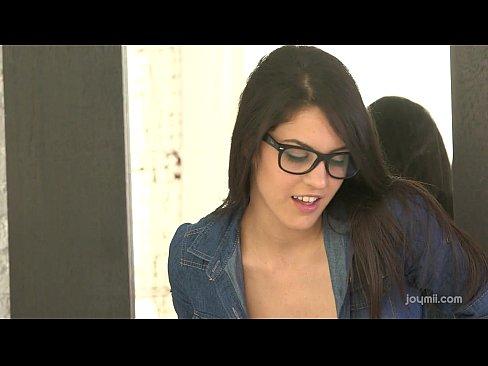 Petite amateurs webcam seduction