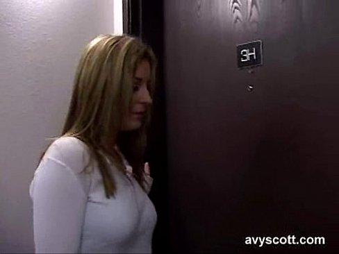 Avy Scott 01