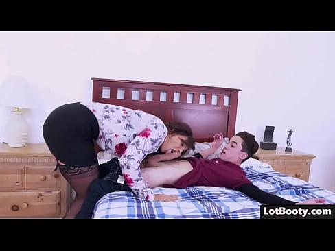 Anal fuck agus blowjob agus facesitting na lewd MILF Syren De Mer le big booty agus a ciocha ollmhor