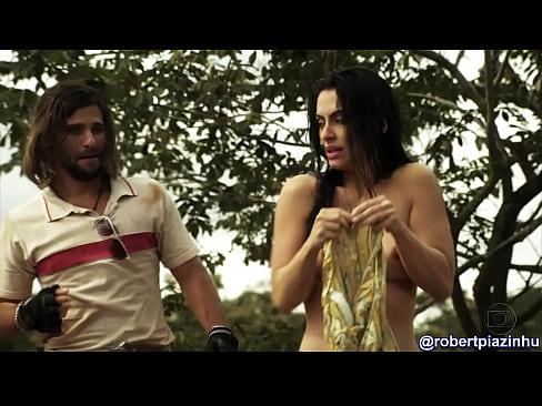 Cléo Pires pelada em As Brasileiras