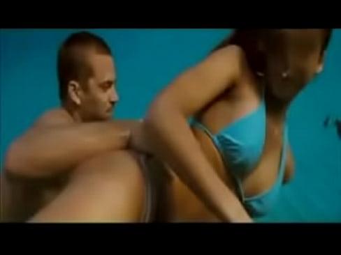 Джессика альба секс в море видео