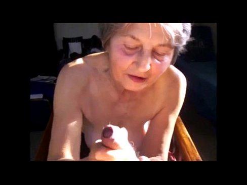 Grannies cumming