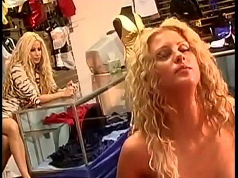 Christina aguilera pornstar lookalike anal