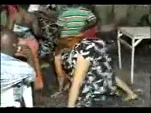 women nude mombasa pissing