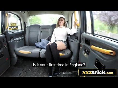 Gros Seins Faux Seins Latina Baisee Par Un Faux Chauffeur De Taxi