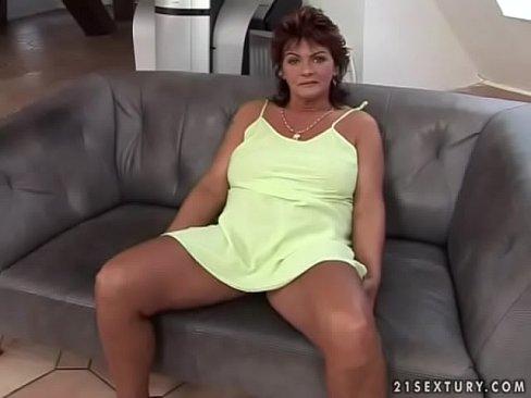 wwwdivorced mom horny lonely threesome sex