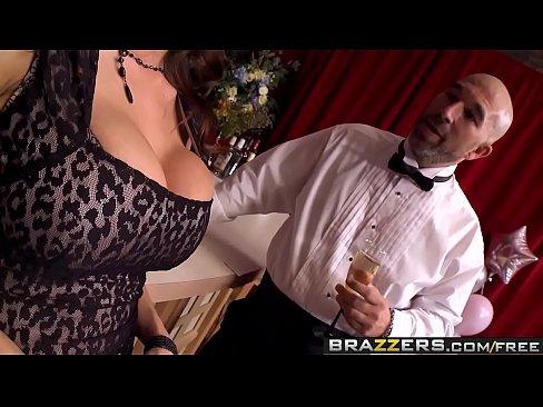 Brazzers - Milfs Like it Big - Sometimes I Fuck Anything scene starring Ariella Ferrera and Xander C