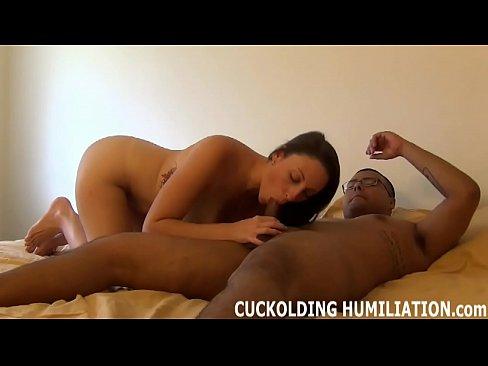 Cuckolding Femdom Oiliuint agus Slut mna Ceile