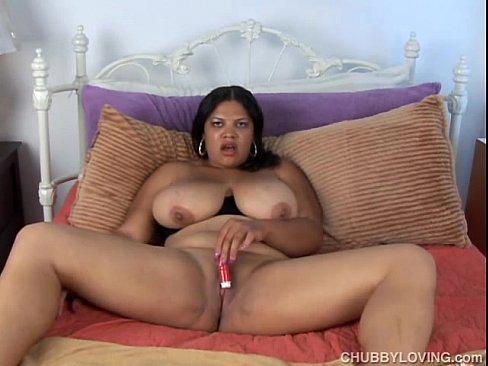 Ebony bbw vibrator