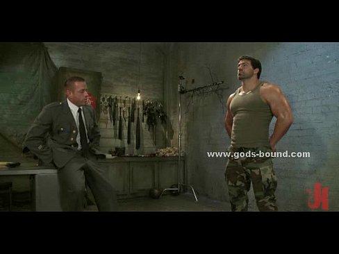 Секс видео с солдатом