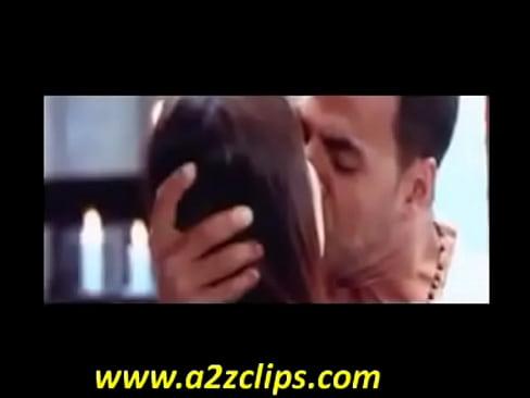 Nude karina kapoor kising not