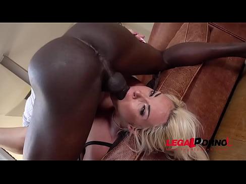 Busty Frau Victoria Summers bekommt interracial Kehle Ficken, um die Kugeln GP015