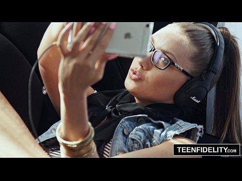 TEENFIDELITY Hipster Chick Elena Koshka Lionadh Le Cum