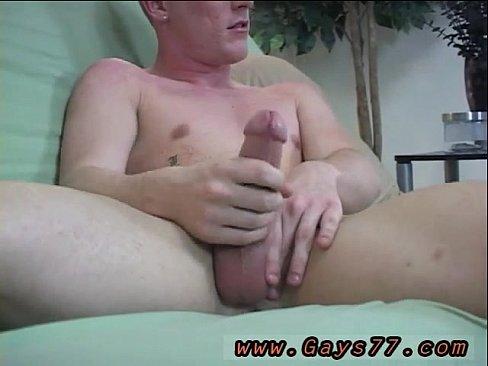 nude girls pee