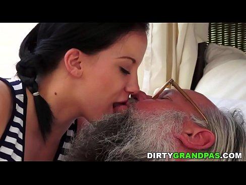 Teen Giglio Grigio vecchi e giovani sesso