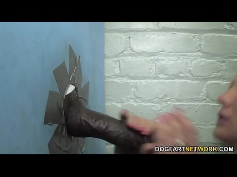Gloryhole Slut Amy Brooke Da Pompino Interrazziale