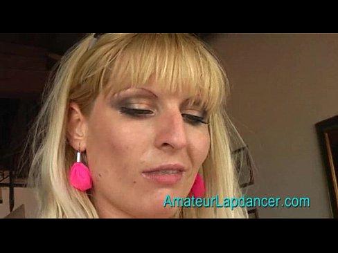 Blondes BBW-Lapdancing