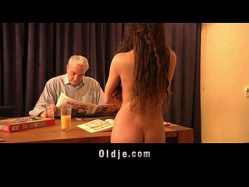 Girlfreind sucking cock